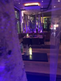 Blick zur nächsten Lounge