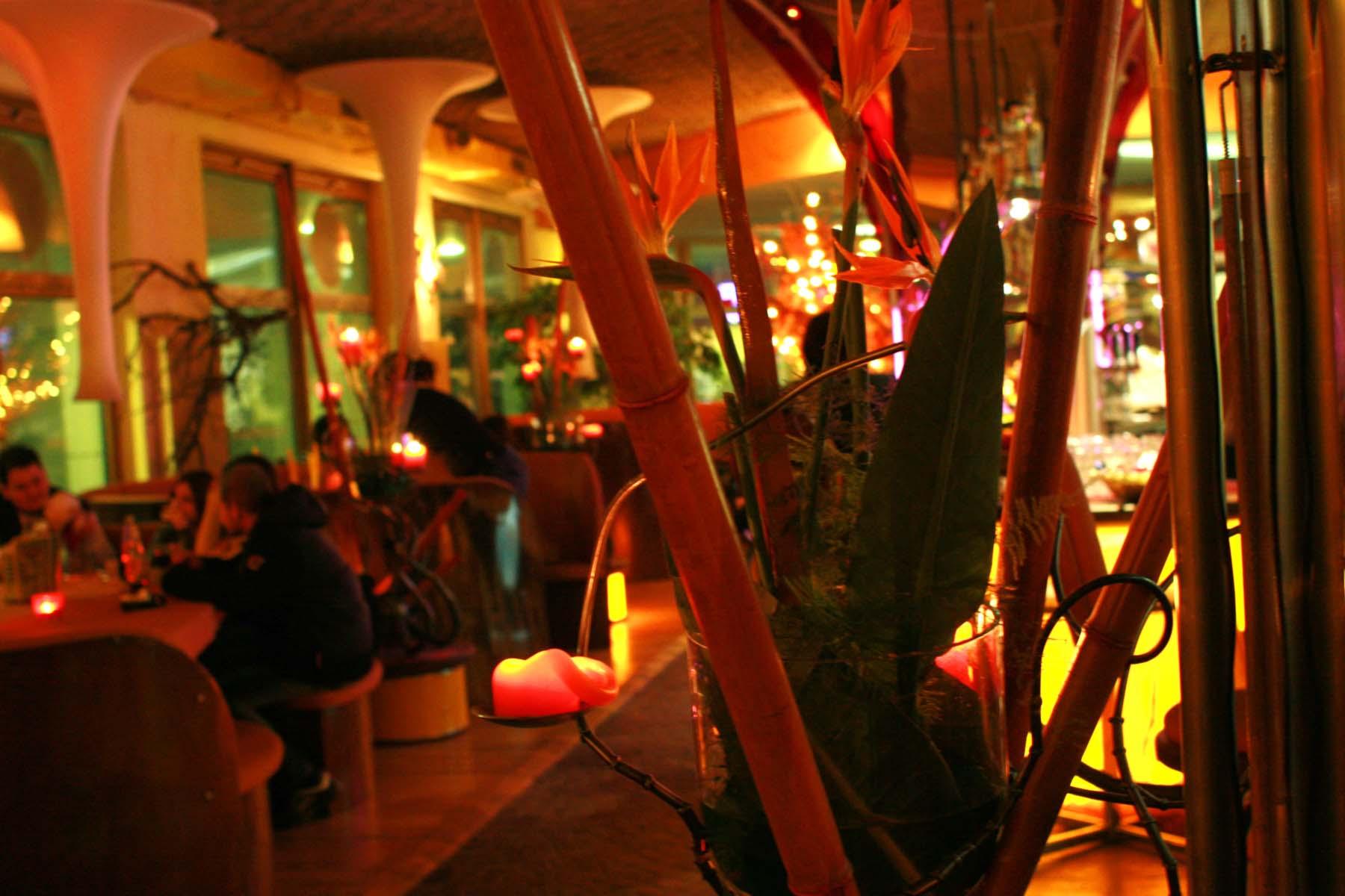 west restaurant und bar lounge bowling west schlieren. Black Bedroom Furniture Sets. Home Design Ideas